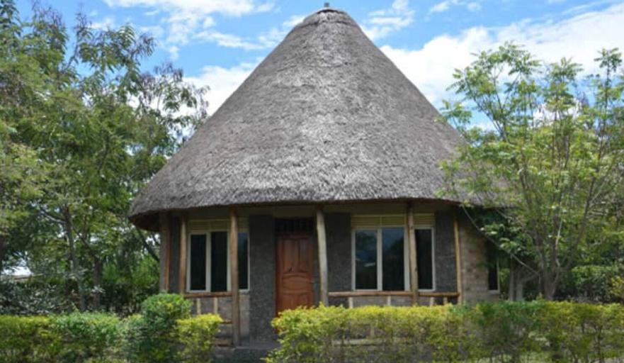 Forest Hog Safari Lodge, Busongora