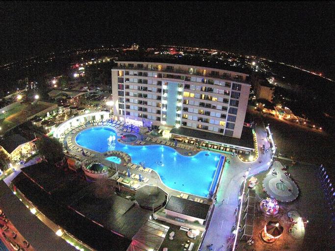 Phoenicia Luxury Hotel, Navodari