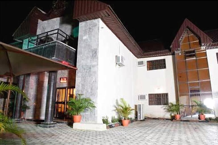 Scholet Suites, Akpabuyo