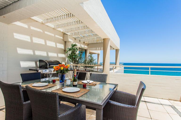Golden Sands Beach Apartment, Cottesloe