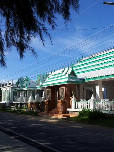 Samroiyod Beach Resort, K. Sam Roi Yot