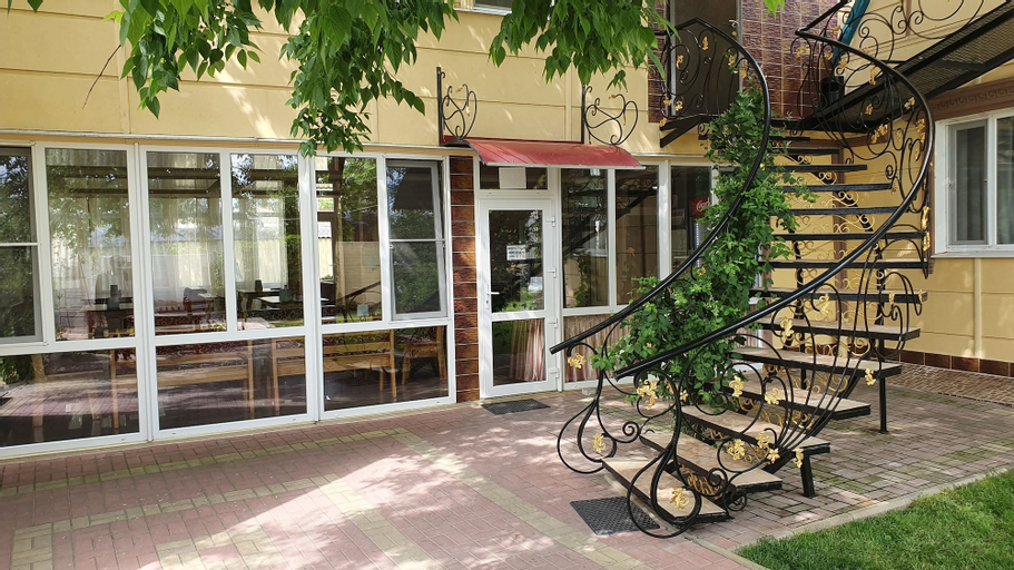 Hotel Nariman, Heniches'kyi
