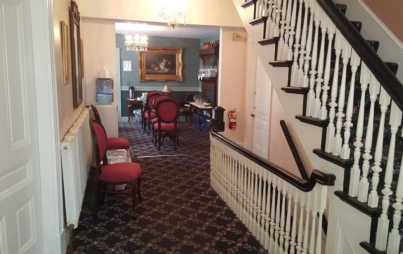 Cleveland House Inn, Newport