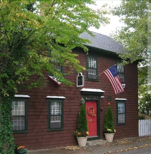 Melville House Newport, Newport