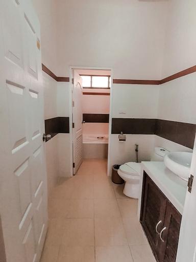 Chaithalay Khanom Resort, Khanom