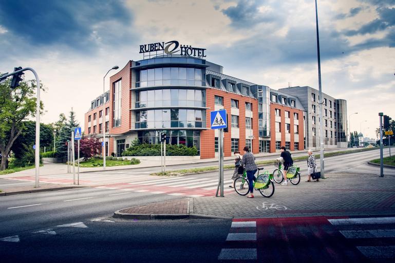Ruben Hotel, Zielona