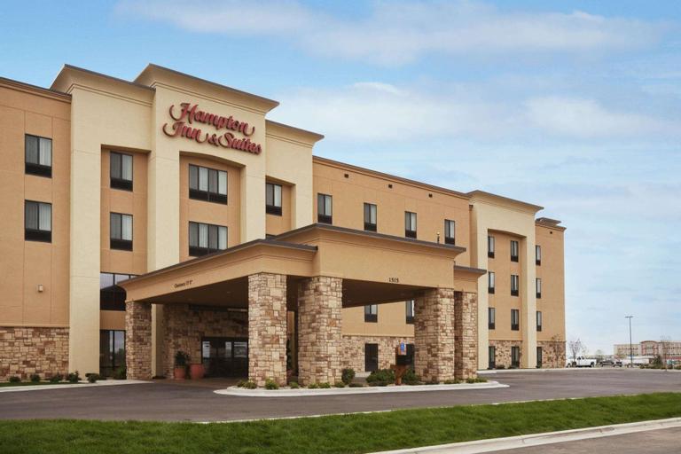 Hampton Inn & Suites Williston, Williams