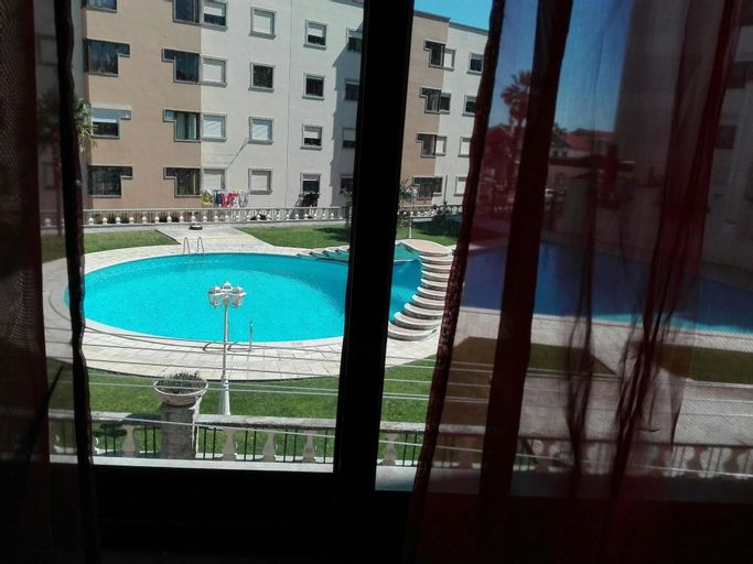 Apartment With 3 Bedrooms in Charneca de Caparica, With Wonderful City, Almada