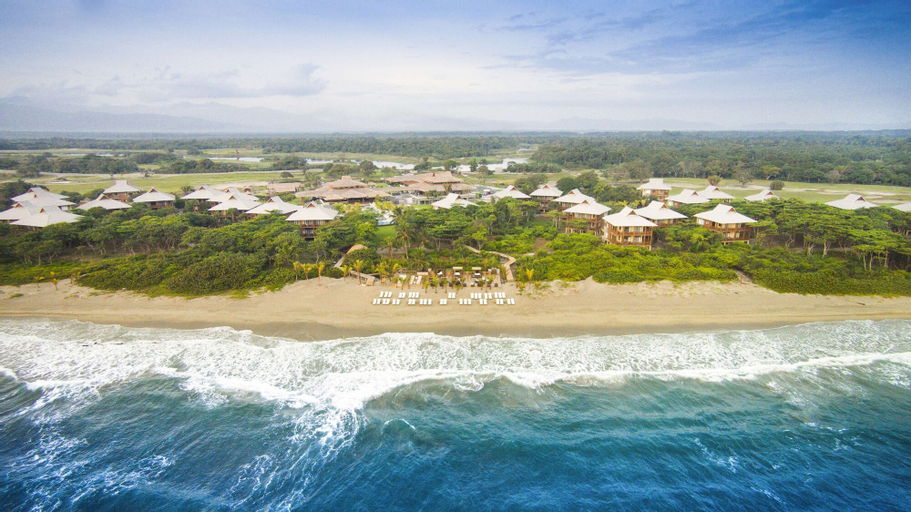 Indura Beach & Golf Resort, Curio Collection by Hilton, Tela