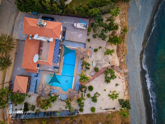 Astrofegia Beach Villa,
