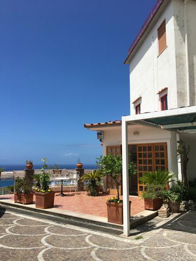 Hotel Dania, Napoli