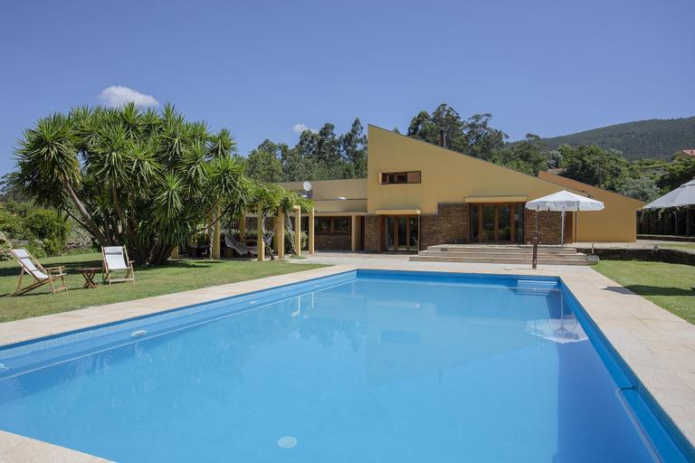 Liiiving  Caminha Countryside Pool House, Caminha