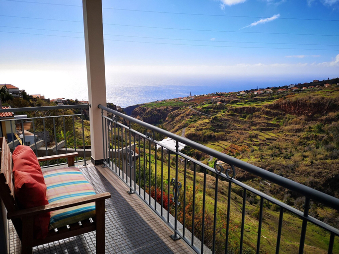 House With 2 Bedrooms in Lombo Do Doutor, With Wifi, Calheta