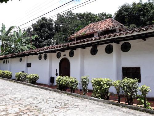 Casa Constantino, Rivera