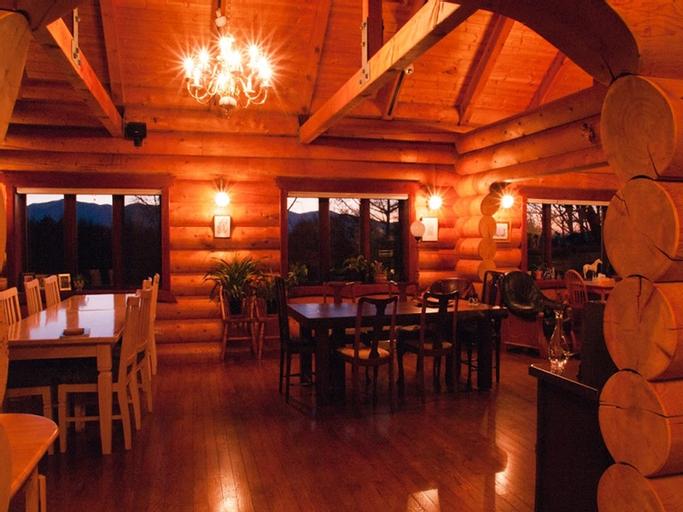 Petit Hotel of Log House Tombouctou, Fujimi