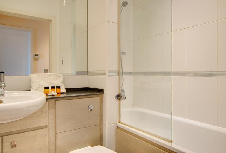 Week2Week Spacious City Centre Apartment with 2 En-suites, Newcastle upon Tyne