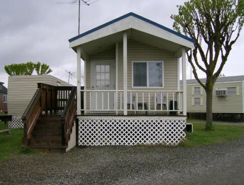 Lake Minden Camping Resort Cabin 1, Sutter