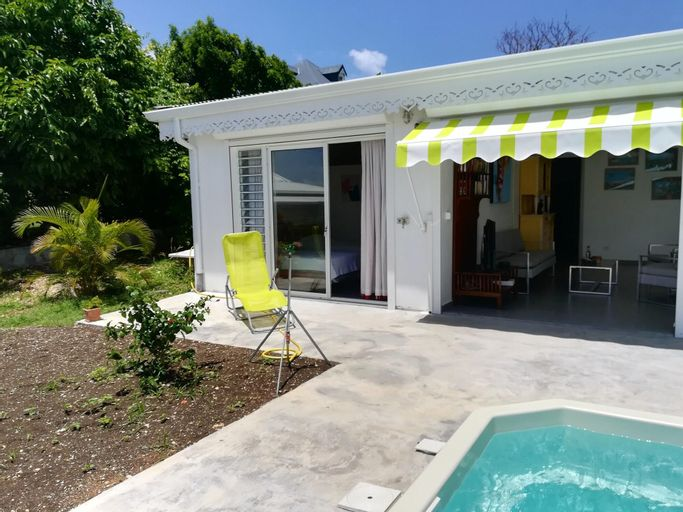 House With 3 Bedrooms in Le Moule, With Wonderful sea View, Furnished, Le Moule