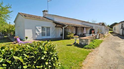 House with 2 bedrooms in Lannes with furnished garden, Lot-et-Garonne