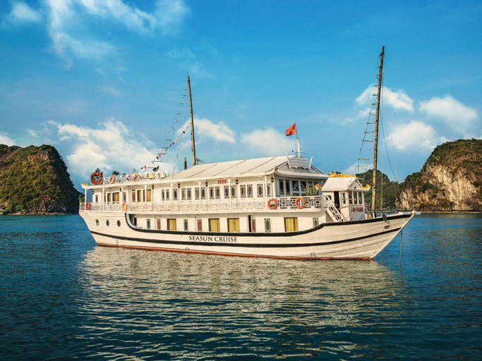 Seasun Cruise, Hạ Long