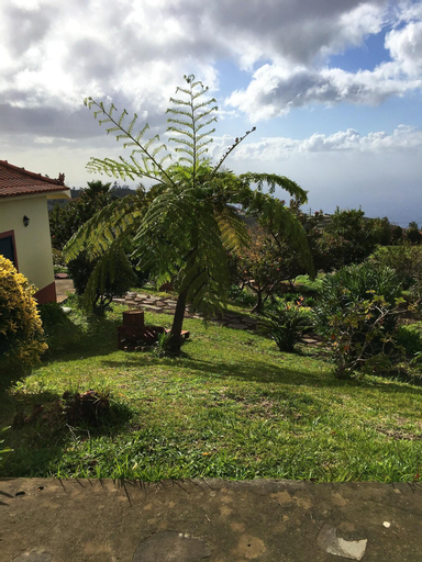 House With one Bedroom in Ponta Do Pargo, With Wonderful sea View, Furnished Garden and Wifi - 20 km From the Beach, Calheta