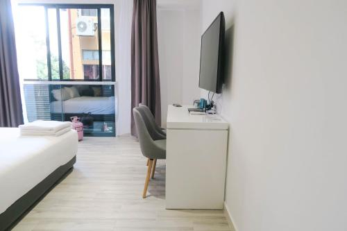 Comfy Studio 2 by Recharge, Singapore River