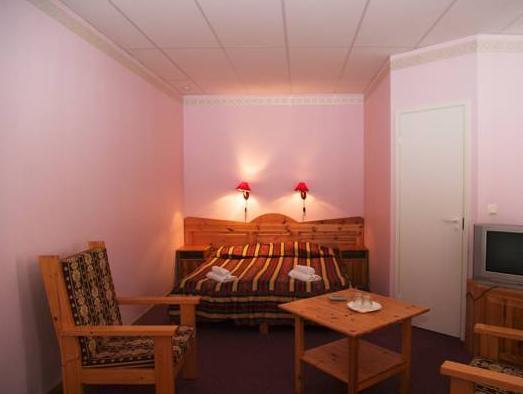 Lookese Hotell, Käina