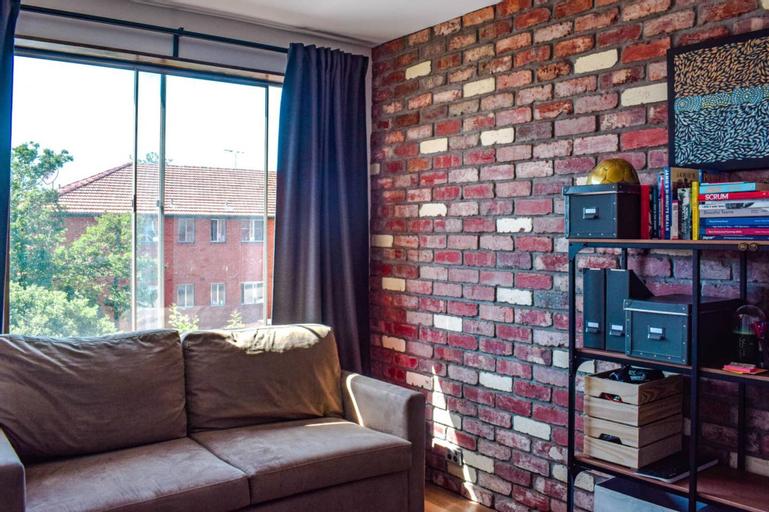 Stylish Modern Apartment Located In Marrickville, Marrickville
