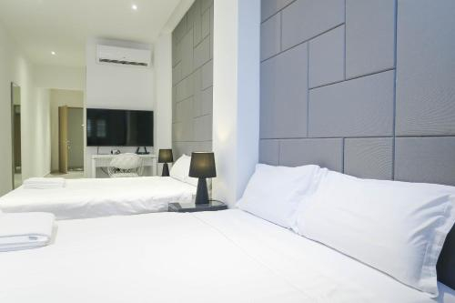 Comfy Studio 3 by ReCharge, Singapore River