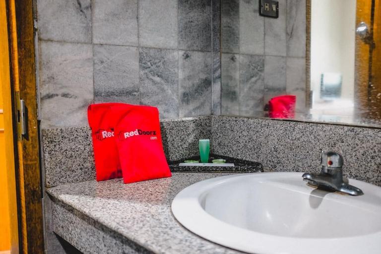 RedDoorz Plus @ Hotel Permata Alam, Bogor