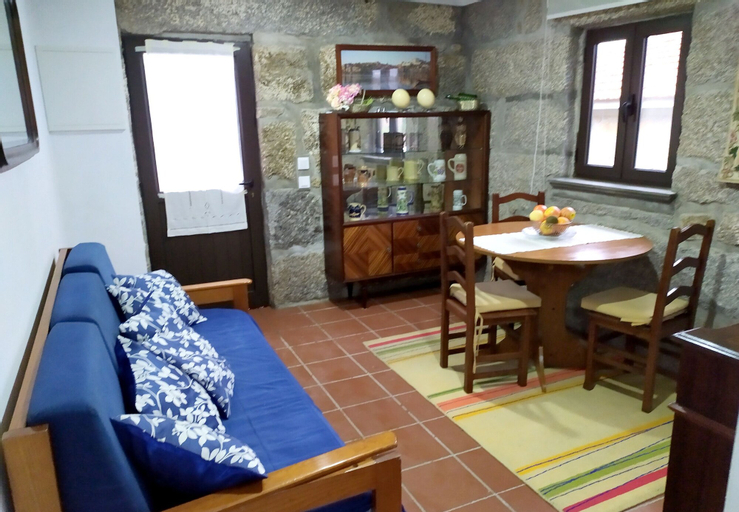 House With one Bedroom in Fornos, With Wonderful Mountain View, Shared Pool, Furnished Balcony, Castelo de Paiva