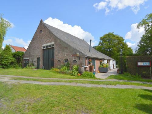 Cozy Holiday Home in Bergen op Zoom with Garden, Bergen op Zoom