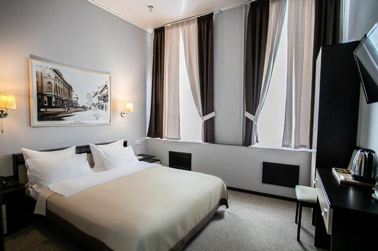 Hanzer Hotel, Central