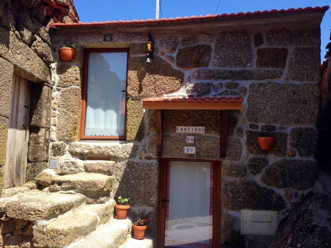 House With 2 Bedrooms in Mazes, With Wonderful Mountain View and Terrace, Lamego