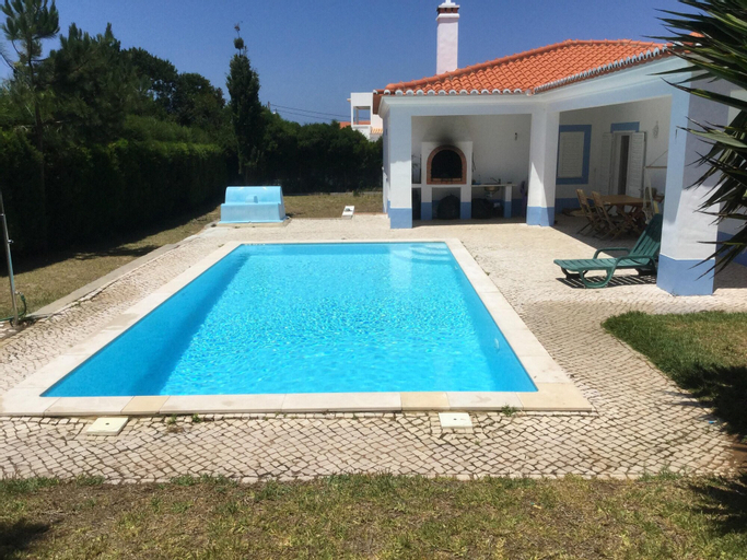 Villa With 4 Bedrooms in Aljezur, With Private Pool and Enclosed Garde, Aljezur