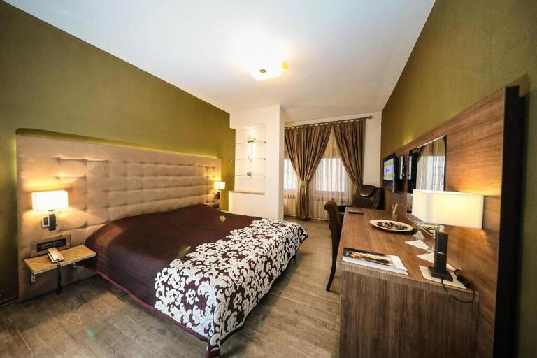 Hotel Çarshia e Jupave, Đakovica