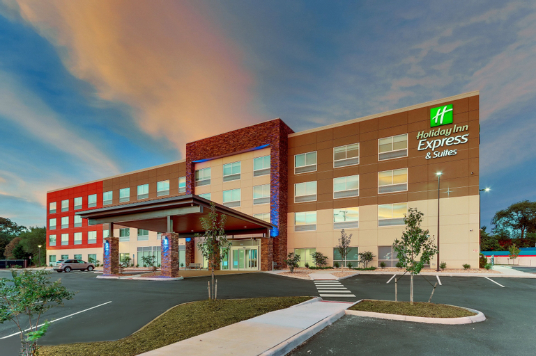 Holiday Inn Express & Suites Roanoke  Civic Center, Roanoke City