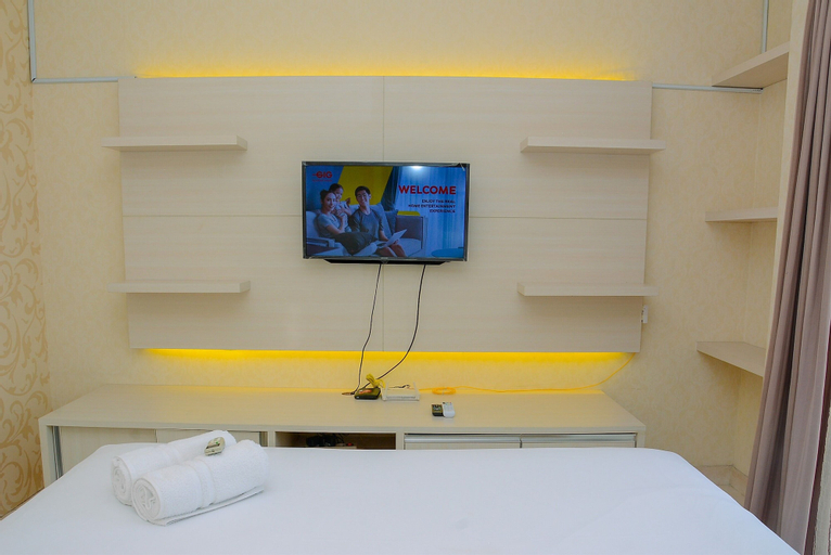 Minimalist and Cozy 1BR Apartment at The Boulevard By Travelio, Central Jakarta