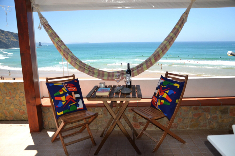 House With 2 Bedrooms in Aljezur, With Wonderful sea View, Furnished Balcony and Wifi - 100 m From the Beach, Aljezur