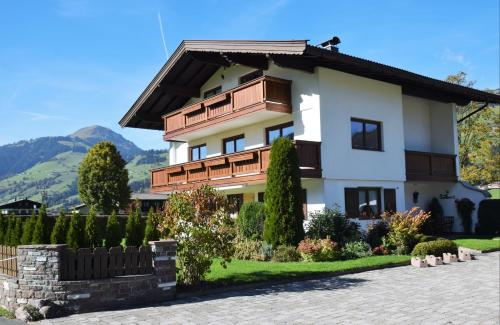 Apartment Brandstatter 1 & 2 by Apartment Managers, Kitzbühel