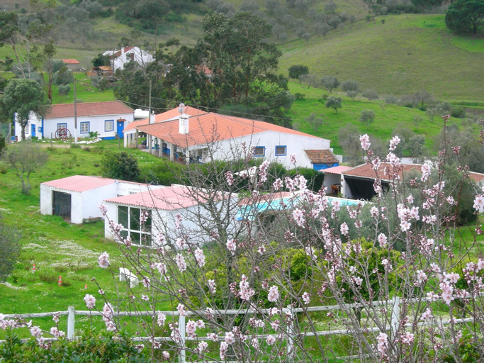 House With 2 Bedrooms in Grândola, With Pool Access, Furnished Garden and Wifi, Grândola