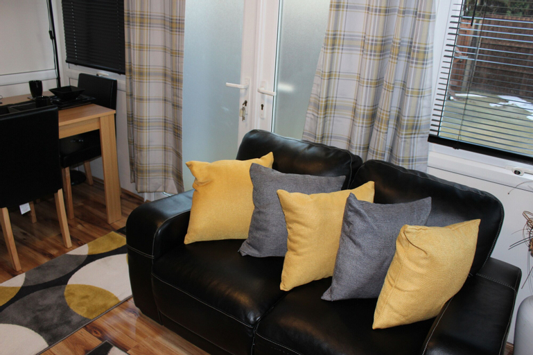 Remarkable 4-bed House in Erith, London