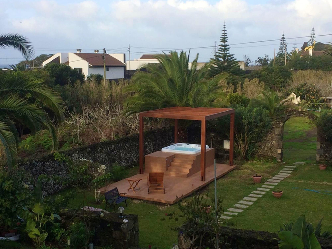 Apartment With 2 Bedrooms in Caloura, With Furnished Terrace and Wifi, Lagoa
