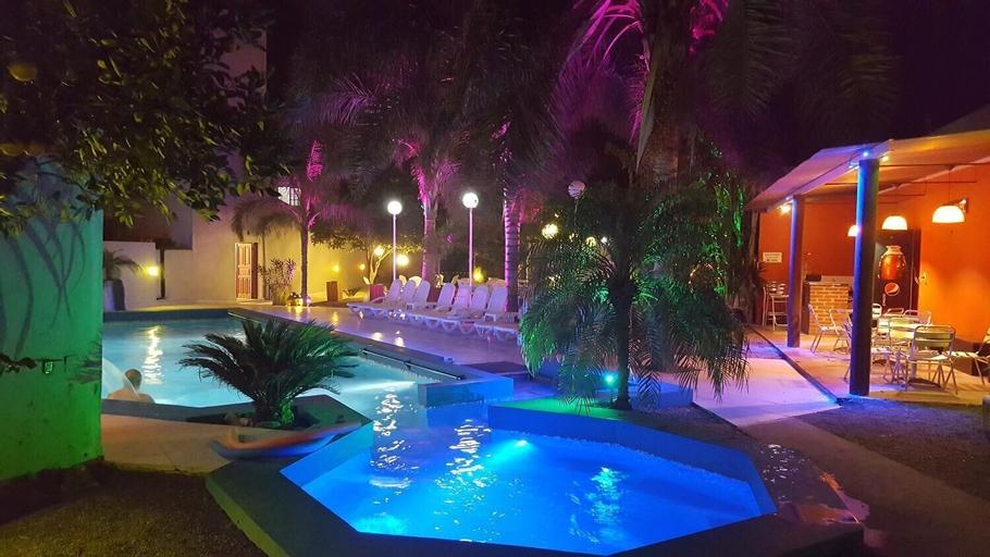 Hotel Emperatriz, Rió Hondo
