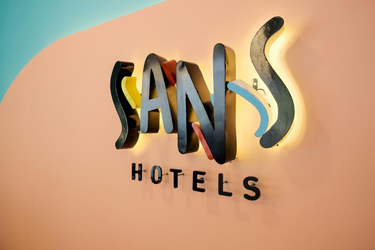 Sans Hotel Puri Indah Jakarta, West Jakarta