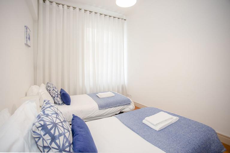 Liiiving in Porto Light Spacious Apartment, Porto