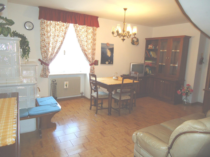 Apartment With 3 Bedrooms in Brez, With Wonderful Mountain View, Furnished Garden and Wifi - 9 km From the Slopes, Trento