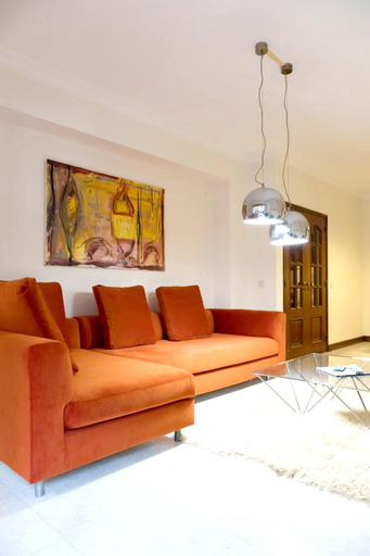 Apartment With one Bedroom in Cascais, With Furnished Garden and Wifi - 2 km From the Beach, Cascais