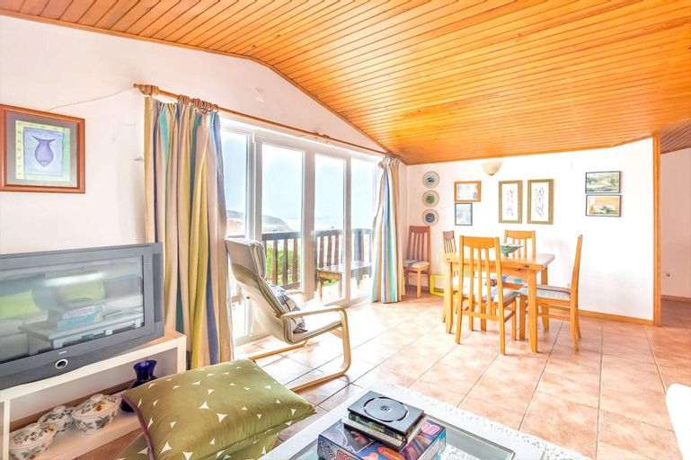 Apartment With 4 Bedrooms in Marinha Grande, With Wonderful sea View, Terrace and Wifi - 350 m From the Beach, Marinha Grande