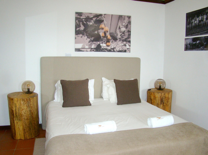 Studio in Armamar with wonderful mountain view shared pool furnished terrace, Armamar